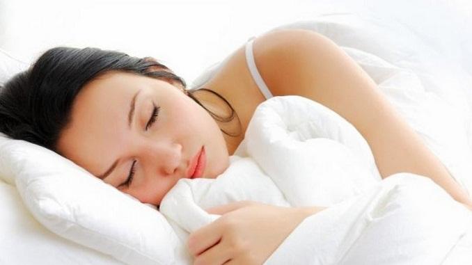 Mengkonsumsi Makanan Ini Bisa Bikin Tidur Lebih Nyenyak