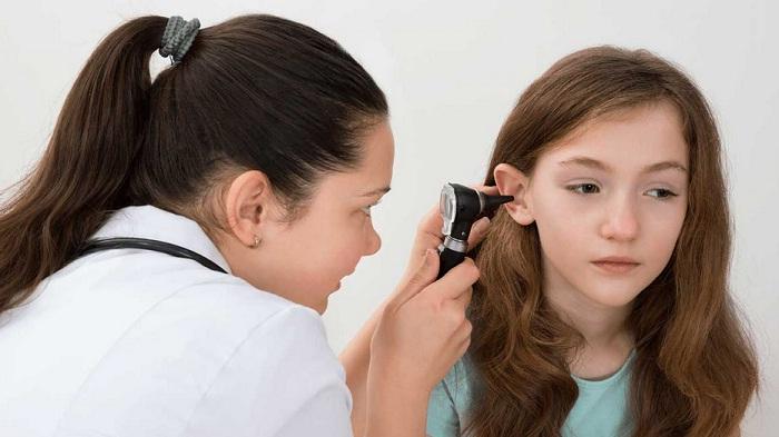 Bentuk Daun Telinga Anak Tak Sempurna, Penyakit Mikrotia Penyebabnya